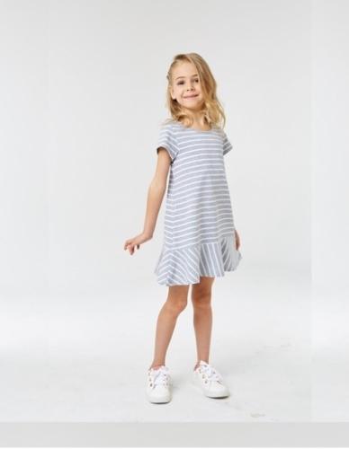 Платье для девочки р.116, серое в полоску UMKA